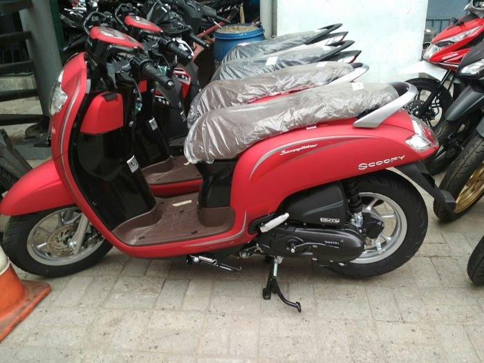 Top Populer 50 Motor Scoopy Merah Doff